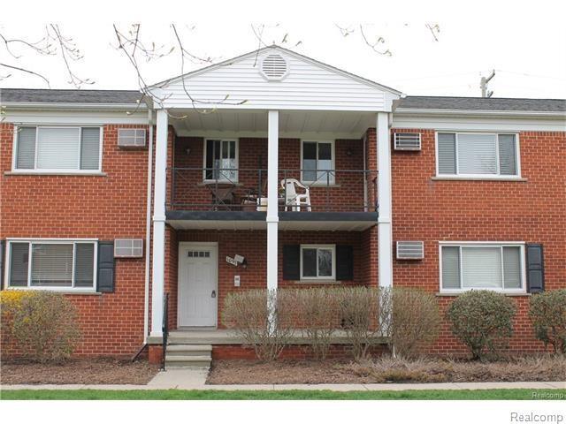 1097 Tienken Court #202, Rochester Hills, MI 48306 (#218016095) :: Duneske Real Estate Advisors