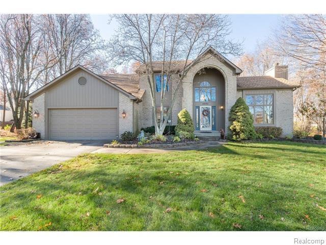 6985 Spring Crest, Springfield Twp, MI 48346 (#218016399) :: Duneske Real Estate Advisors