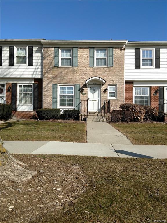 2408 W 13 Mile Road, Royal Oak, MI 48073 (#218017224) :: Duneske Real Estate Advisors