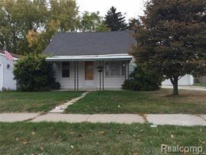 6130 N Gulley Road, Dearborn Heights, MI 48127 (MLS #218017732) :: The Toth Team