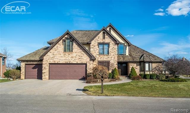 60 Chateaux Du Lac, Fenton Twp, MI 48430 (#5030072451) :: The Buckley Jolley Real Estate Team
