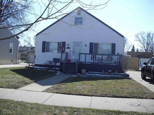 23116 Detour Street, Saint Clair Shores, MI 48082 (#218019938) :: RE/MAX Classic