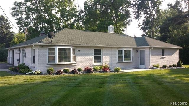 3274 E Cook Road, Grand Blanc Twp, MI 48439 (#5030072493) :: The Buckley Jolley Real Estate Team
