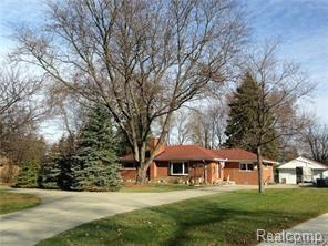 341 Kinmore Court, Dearborn Heights, MI 48125 (#218020094) :: The Buckley Jolley Real Estate Team