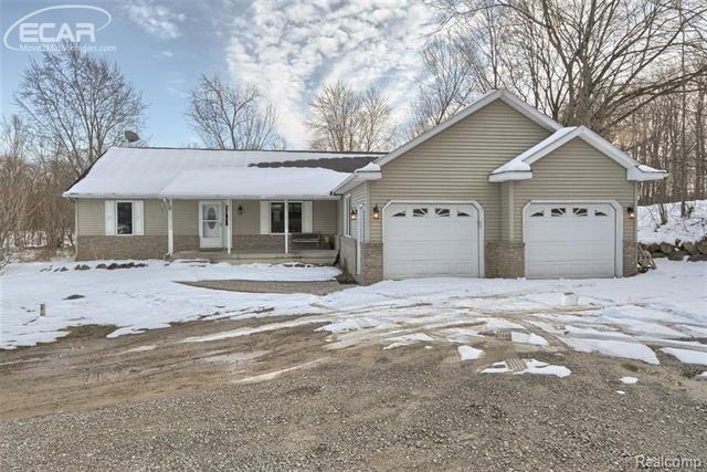 11420 E Maple Avenue, Atlas Twp, MI 48423 (#5030072524) :: The Buckley Jolley Real Estate Team