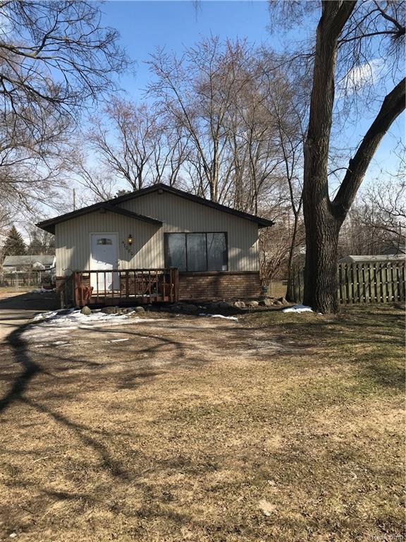 47080 Greenview Road, Shelby Twp, MI 48317 (#218021157) :: Simon Thomas Homes