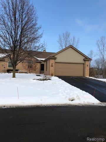4861 Lone Oak Court, Pittsfield Twp, MI 48108 (#543255030) :: The Buckley Jolley Real Estate Team
