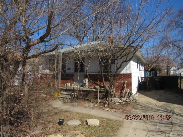 28060 Schram Street, Roseville, MI 48066 (#218023462) :: RE/MAX Classic