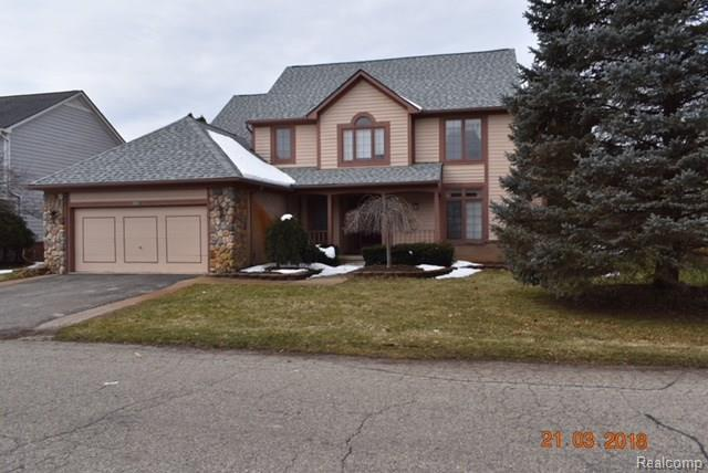 2304 Carriage Way, Milford Twp, MI 48381 (#218023796) :: The Buckley Jolley Real Estate Team