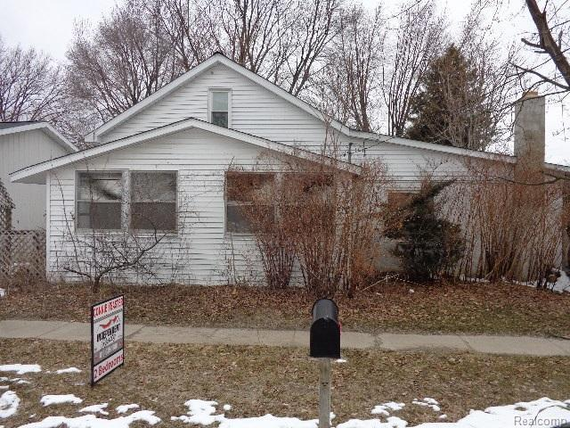 152 Russell, Montrose, MI 48457 (MLS #50100001109) :: The Toth Team
