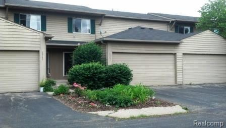 1367 Lochaven, Waterford Twp, MI 48327 (#50100001187) :: Duneske Real Estate Advisors