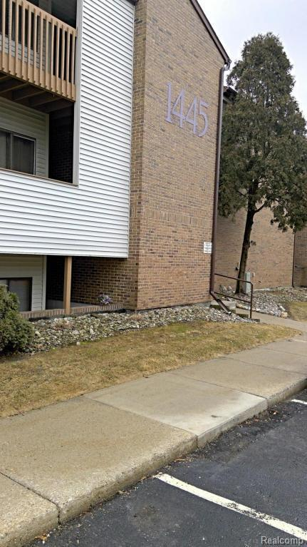 1445 E Pond Drive #13, Meridian Charter Twp, MI 48864 (#630000224529) :: Duneske Real Estate Advisors