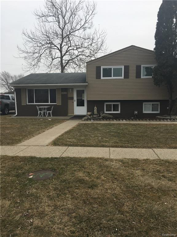 2414 Camel Dr, Sterling Heights, MI 48310 (#218026788) :: Duneske Real Estate Advisors