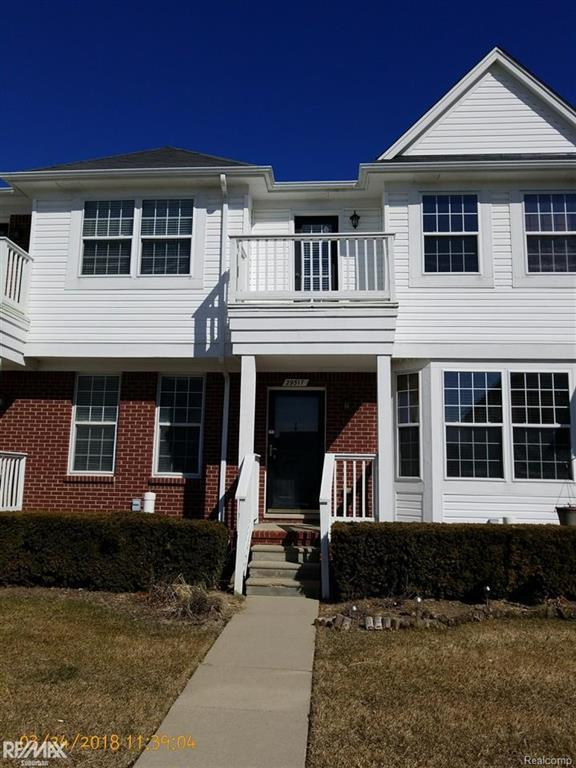 29317 Classic, Chesterfield Twp, MI 48051 (MLS #58031343822) :: The Toth Team