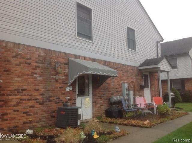 307 Bon Brae Ct Unit #7, Saint Clair Shores, MI 48081 (#58031344045) :: Duneske Real Estate Advisors