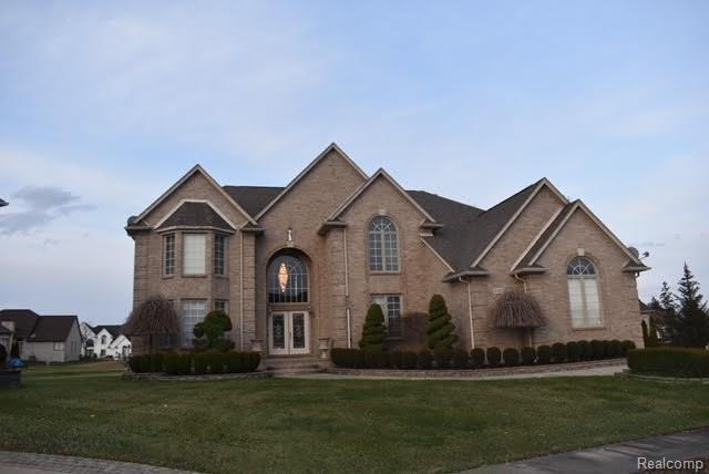 2411 Joseph Drive, Sterling Heights, MI 48314 (#218028968) :: Duneske Real Estate Advisors