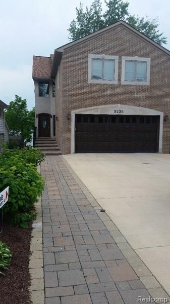 5536 Putnam Drive, West Bloomfield Twp, MI 48323 (#218030471) :: RE/MAX Classic