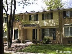 23692 Lahser Road #29, Southfield, MI 48033 (#218031604) :: Duneske Real Estate Advisors