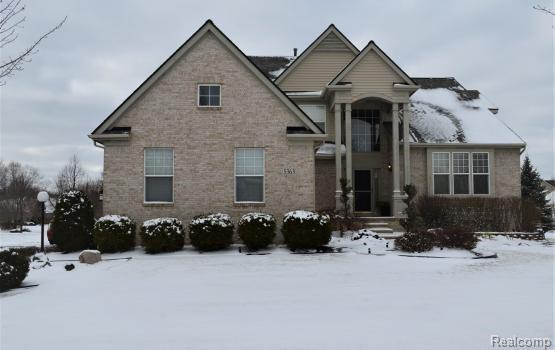 5363 Buell Drive, Commerce Twp, MI 48382 (MLS #218031640) :: The Toth Team