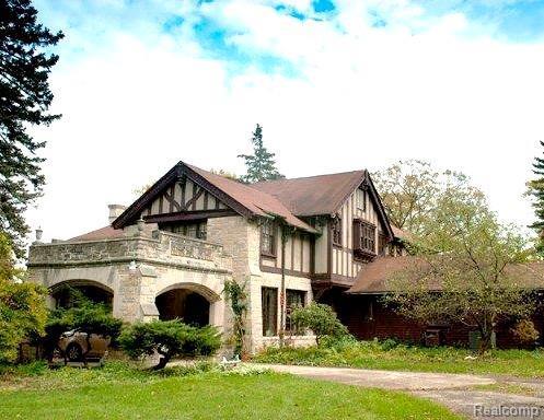 2455 N Lake Angelus Rd W, Lake Angelus, MI 48326 (#218033147) :: Duneske Real Estate Advisors