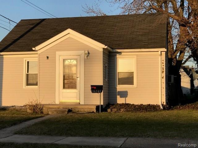14141 Mulberry Street, Southgate, MI 48195 (MLS #218033367) :: The Toth Team