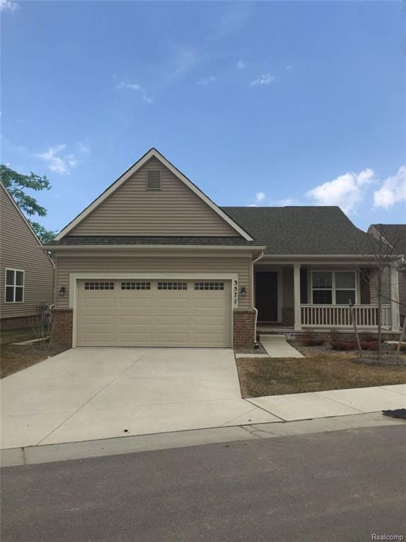 3571 Madison #4, Orion Twp, MI 48359 (#218038402) :: Duneske Real Estate Advisors