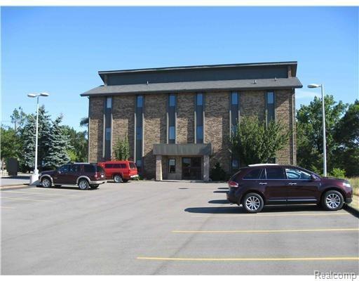 3250 Plymouth #303 Road, Ann Arbor, MI 48105 (#543256576) :: Duneske Real Estate Advisors
