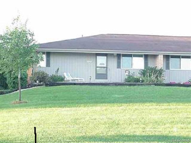 5282 Mccandlish, Grand Blanc Twp, MI 48439 (#50100002073) :: Duneske Real Estate Advisors