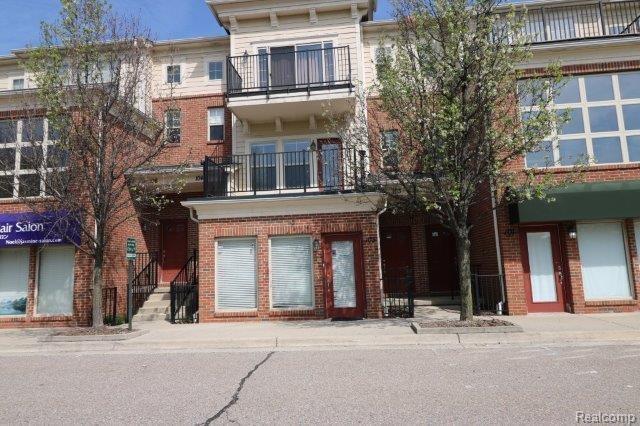 103 Legato Drive, Walled Lake, MI 48390 (#218042921) :: Duneske Real Estate Advisors