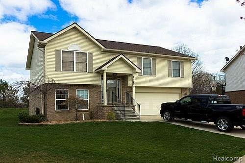29229 Hunter Court, Brownstown Twp, MI 48183 (#218043879) :: RE/MAX Classic