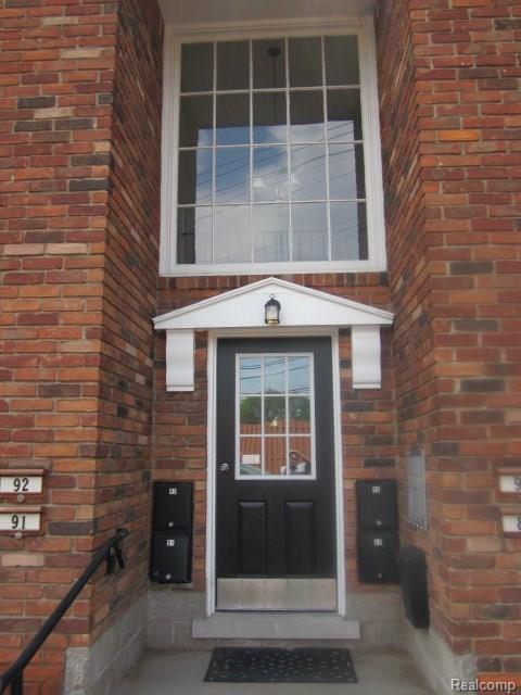 31831 Grand River Avenue #89, Farmington, MI 48336 (#218044101) :: RE/MAX Classic