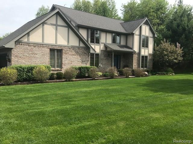 6602 Mountview Court, Genoa Twp, MI 48116 (#218045645) :: The Buckley Jolley Real Estate Team