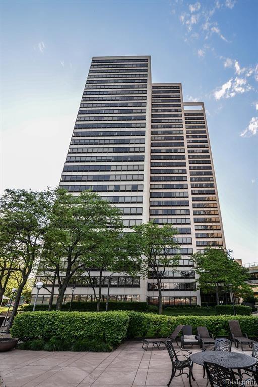 1001 Jefferson Avenue 24F, Detroit, MI 48226 (#218046208) :: RE/MAX Classic