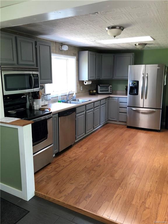 805 Silver Lake Road, Linden, MI 48451 (#218046231) :: The Buckley Jolley Real Estate Team