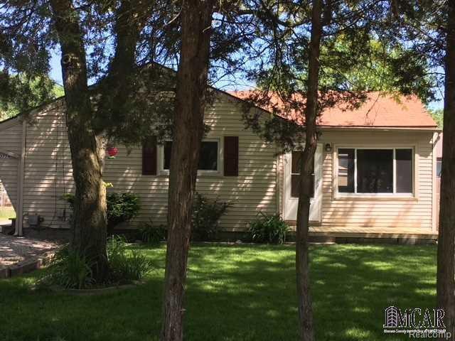 13774 Laplaisance, Monroe, MI 48161 (#57003452440) :: Duneske Real Estate Advisors