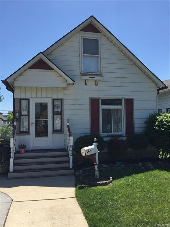 531 Elm Street, Wyandotte, MI 48192 (MLS #218048757) :: The Toth Team