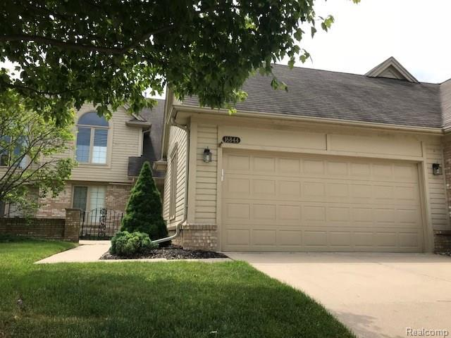 16844 Coral Lane, Macomb Twp, MI 48042 (#218052610) :: The Mulvihill Group