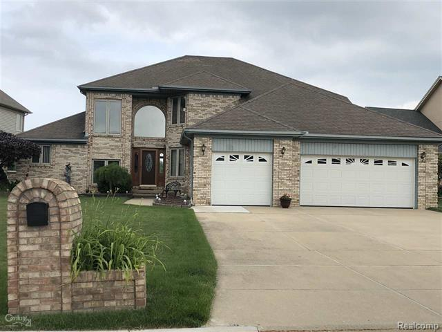 41338 Marksway Court, Sterling Heights, MI 48314 (MLS #218053138) :: The Toth Team
