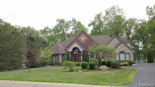 3489 Lakewood Shores Drive, Genoa Twp, MI 48843 (MLS #218054479) :: The Toth Team