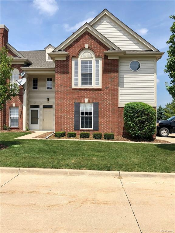 15065 Hidden Pointe Circle, Sterling Heights, MI 48313 (#218054931) :: RE/MAX Classic