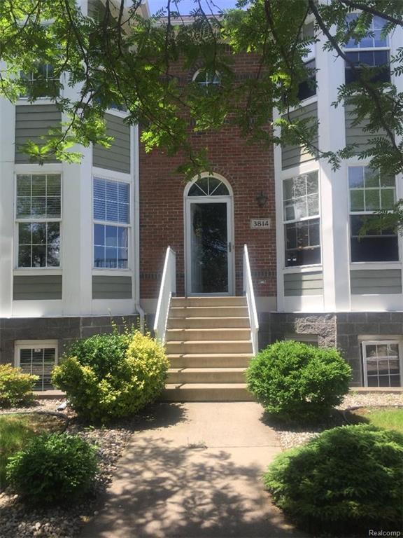 3814 Biddle Avenue, Wyandotte, MI 48192 (#218055153) :: RE/MAX Classic