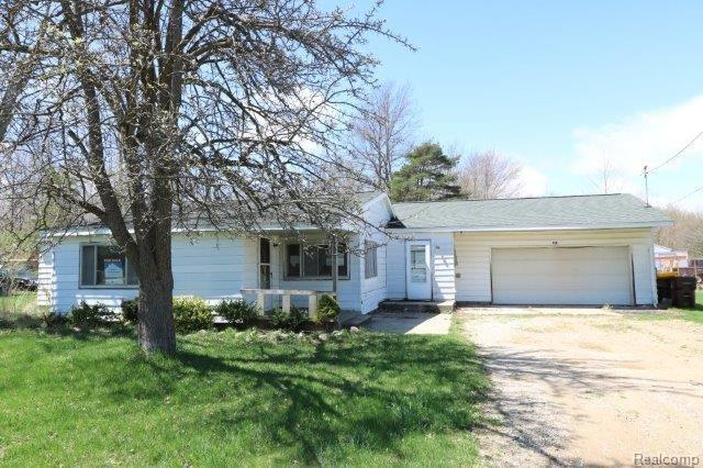 1016 S Line Street, Chesaning Vlg, MI 48616 (#218058570) :: RE/MAX Classic