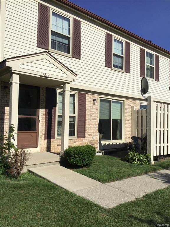 1512 Dover Hill S, Walled Lake, MI 48390 (#218060474) :: RE/MAX Classic