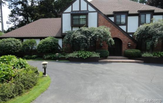 3700 Brookside Drive, Bloomfield Twp, MI 48302 (#218061014) :: RE/MAX Classic