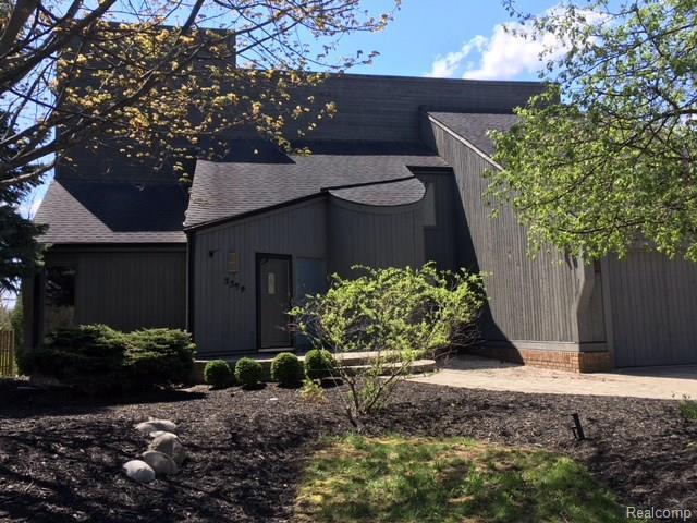 3379 Edmunton Drive, Rochester Hills, MI 48306 (#218061218) :: RE/MAX Classic