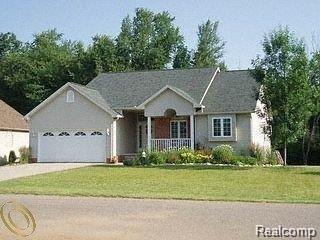 74 Jamestown Drive, Metamora Vlg, MI 48455 (#218062214) :: Duneske Real Estate Advisors