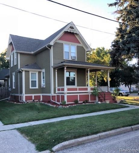 500 S 4th Street, Saint Clair, MI 48079 (#218062724) :: The Mulvihill Group