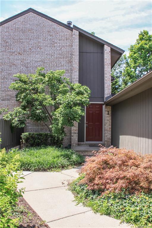 41350 Woodward Avenue #1, Bloomfield Hills, MI 48304 (#218063436) :: RE/MAX Nexus