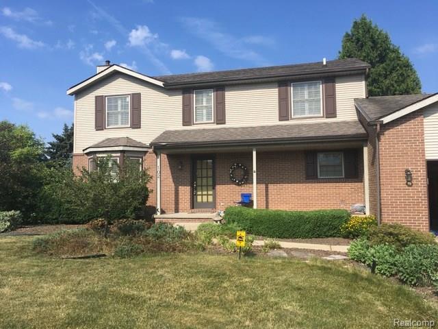 102 Granada Drive, White Lake Twp, MI 48386 (#218063678) :: RE/MAX Vision