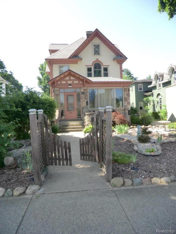 161 W Chicago St, COLDWATER CITY, MI 49036 (#62018032506) :: Duneske Real Estate Advisors